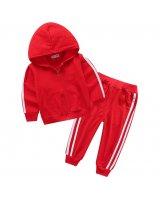 Bērnu sporta apģērbi un apavi